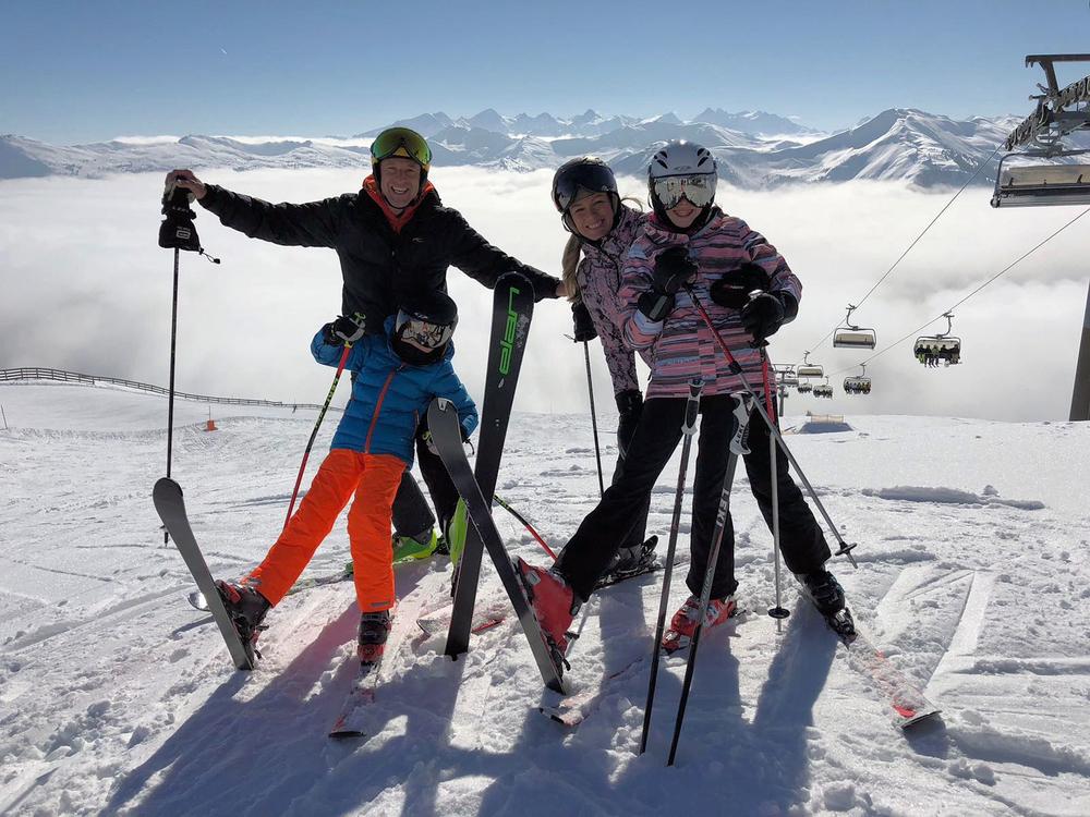 cp skihelm met vizier meekleurend - skihelm tom coronel_paulien zwart-kinderen - beste skihelm brildragers