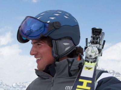 skihelm met vizier of zonder moet goed recht op het hoofd zitten