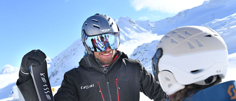The ski helmet with visor - The ski helmet of the future !