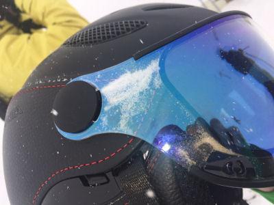 voorbeeld slechte afdichting skihelm vizier tegen sneeuw