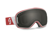 Lenskleur: black chromebrilband kleur: rood/witlens category: s3zichtpercentage: 15%voor weertype: (?)uv ...